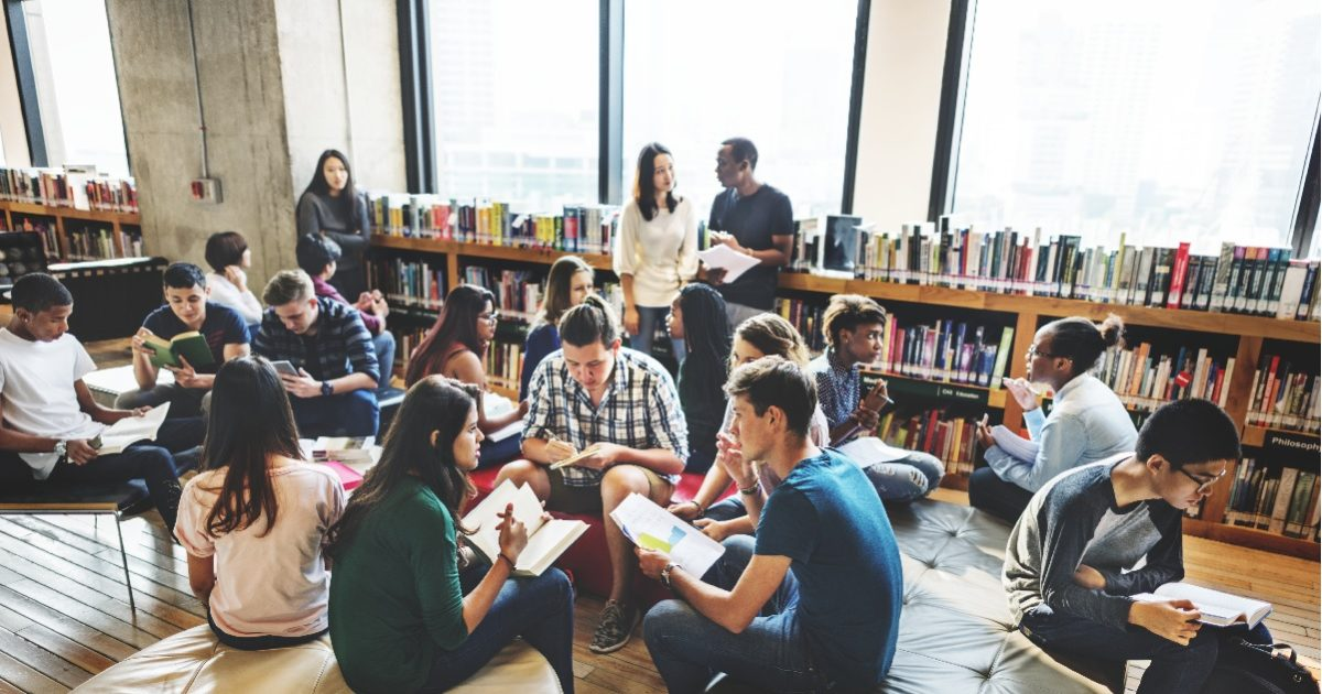 Uni Students in library
